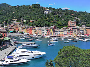 Motorboats in Italy - sale and rental - motor yachts